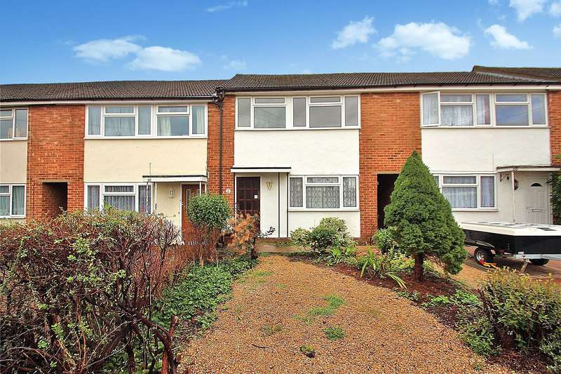 3 Bedrooms Terraced House for sale in Southwood Avenue, Knaphill, Woking, Surrey, GU21