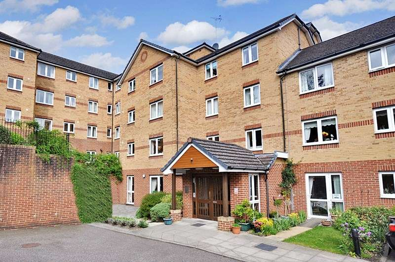 1 Bedroom Retirement Property for sale in Woodlands Court, Chatham, ME5 9GJ