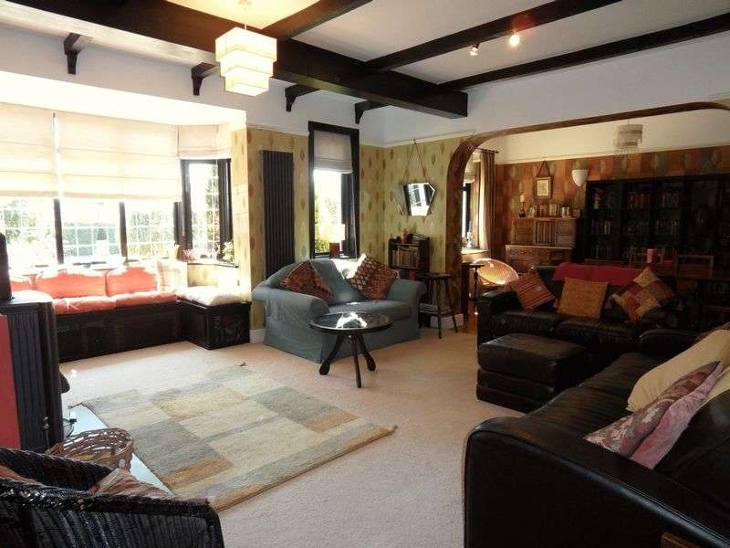5 Bedrooms Detached House for sale in The Plantation, Worthing