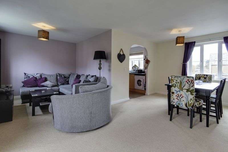 2 Bedrooms Flat for sale in Jamaica Circle, Newport
