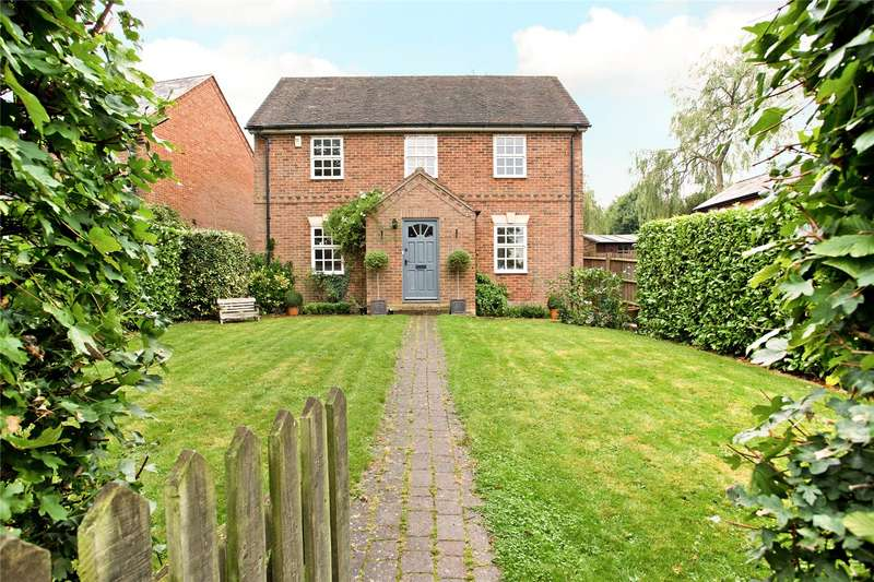 4 Bedrooms Detached House for sale in Clays Lane, Little Horwood, Milton Keynes, MK17