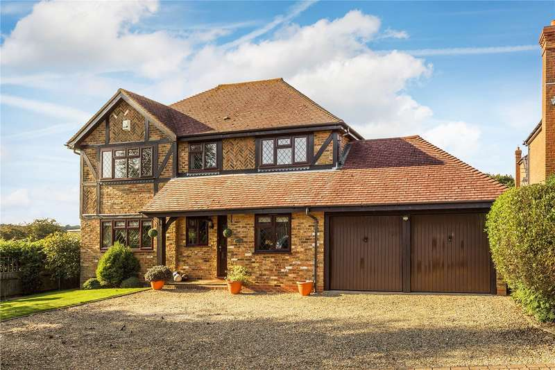 4 Bedrooms Detached House for sale in Straw Close, Caterham, Surrey, CR3