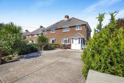 3 Bedrooms Semi Detached House for sale in Victoria Road, Yarmouth, Isle Of Wight