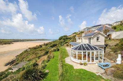 5 Bedrooms Detached House for sale in Pentire, Newquay, Cornwall