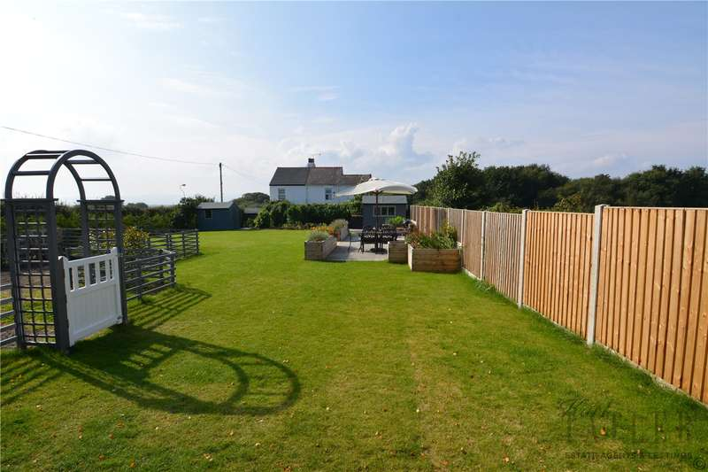 3 Bedrooms End Of Terrace House for sale in Banks Road, Heswall, Wirral