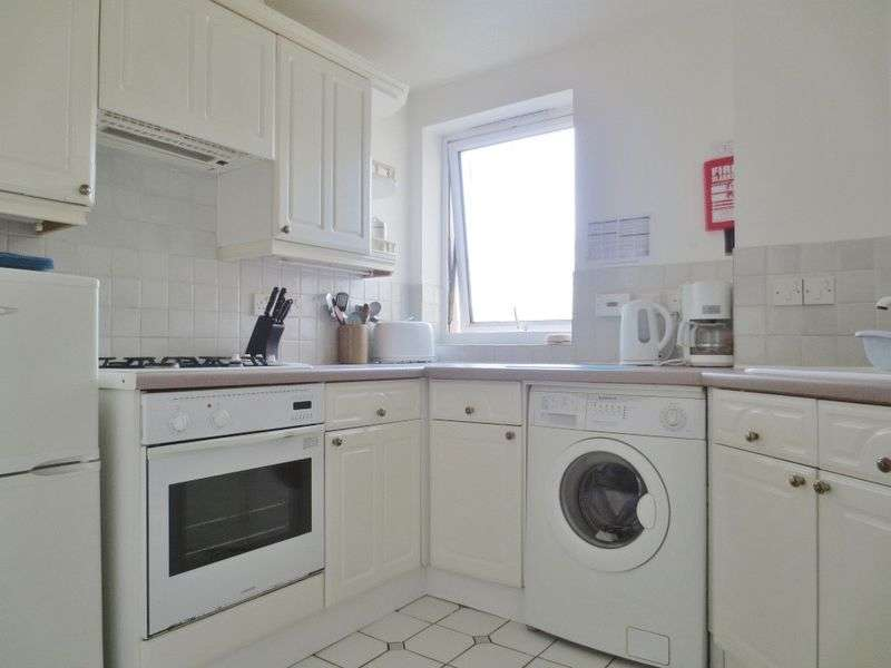 2 Bedrooms Flat for sale in The Strand, Brighton