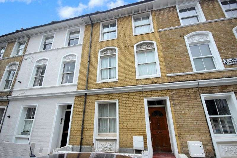 4 Bedrooms House for sale in Southolm Street, London SW11