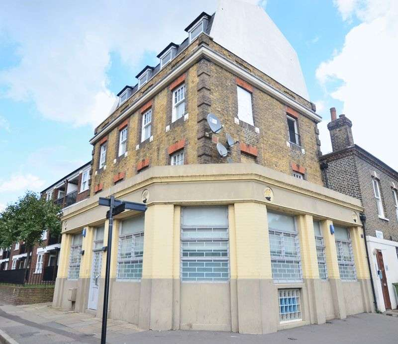 Flat for sale in Clarence Place, Clapton Square E5