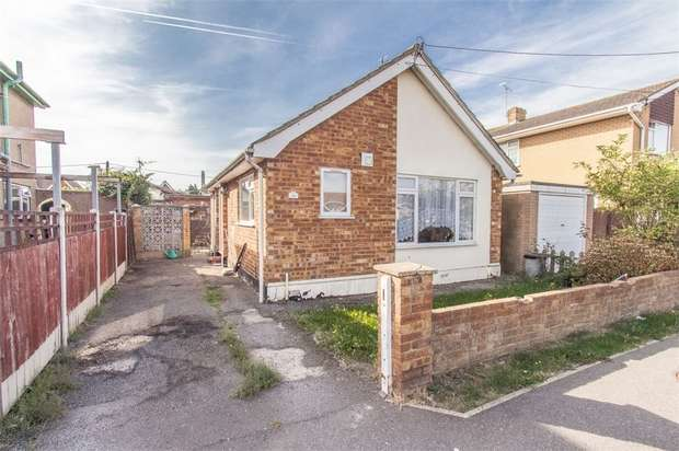 1 Bedroom Detached Bungalow for sale in Daarle Avenue, CANVEY ISLAND, Essex