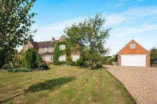 3 Bedrooms Semi Detached House for sale in Bowshotts Cottages, Cowfold Road, West Grinstead, Horsham