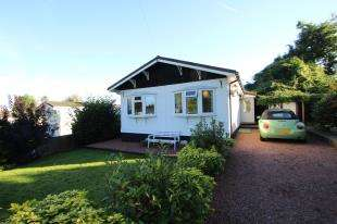 3 Bedrooms Mobile Home for sale in Surrey Hills Residential Park, Boxhill Road, Tadworth, Surrey