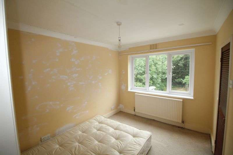 2 Bedrooms Property for sale in Baldry Gardens, London