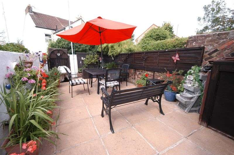 2 Bedrooms Terraced House for sale in MAIDSTONE, ME14 2ST