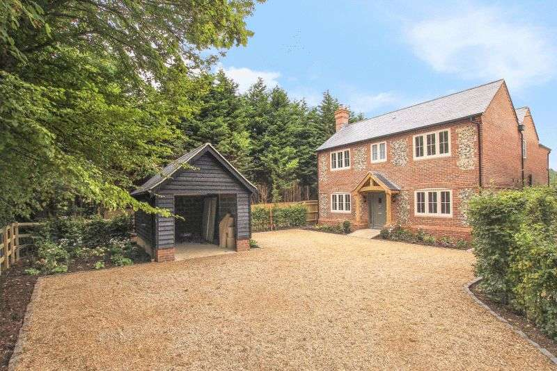 5 Bedrooms Detached House for sale in Rowan House Taylors Lane St Leonards Buckinghamshire