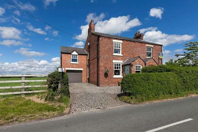 3 Bedrooms Semi Detached House for sale in Sunny Lea Cottage, Maltkiln Lane, Bispham, L40 3SG