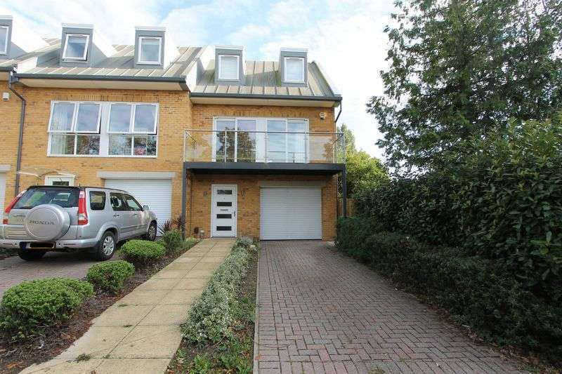 4 Bedrooms Terraced House for sale in Salisbury Road, Worcester Park