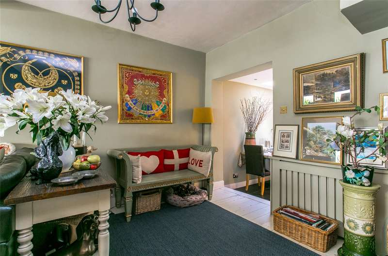 4 Bedrooms Terraced House for sale in Knowsley Road, Battersea, London, SW11