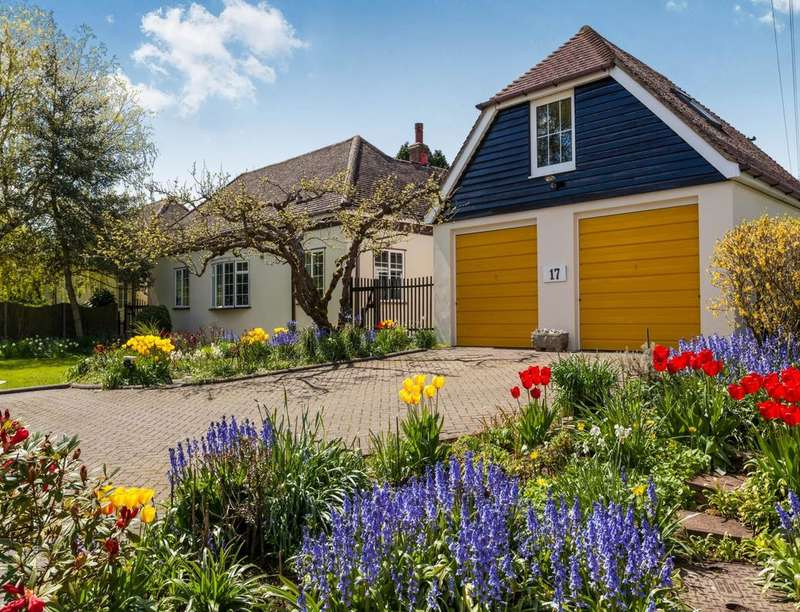 3 Bedrooms Detached Bungalow for sale in North Street Ashford Road, Sheldwich, Faversham, ME13