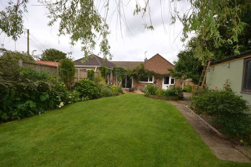 2 Bedrooms Semi Detached Bungalow for sale in Ingoldisthorpe