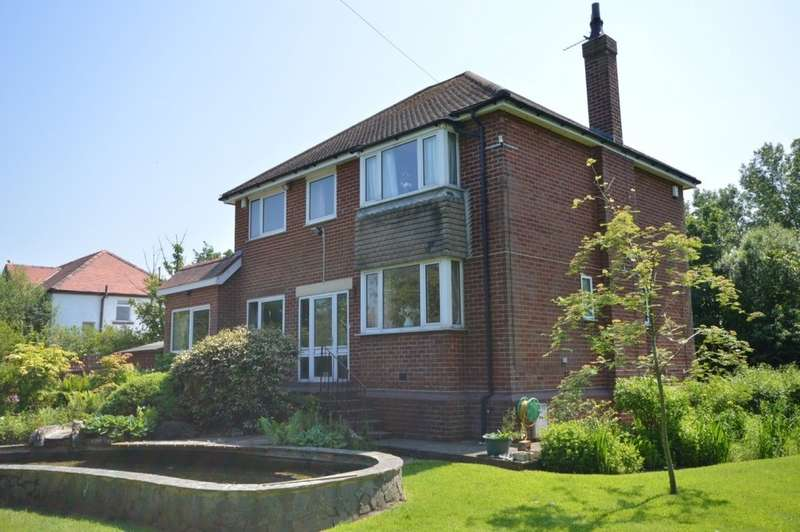 4 Bedrooms Detached House for sale in Division Lane, Blackpool