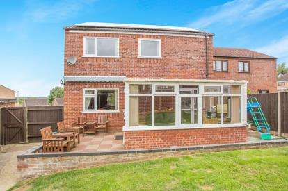 4 Bedrooms Detached House for sale in Bungay, Suffolk, .