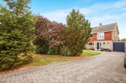 5 Bedrooms Detached House for sale in Writtle, Chelmsford, Essex
