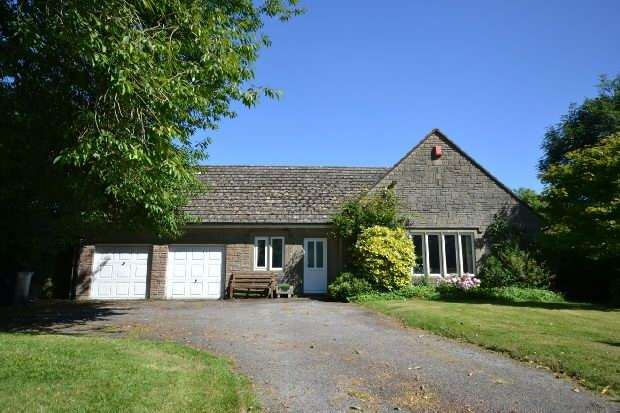 3 Bedrooms Detached House for sale in Melbury Abbas