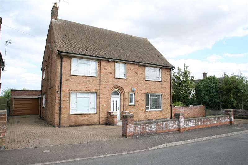 4 Bedrooms Property for sale in Manor Drive, Irthlingborough