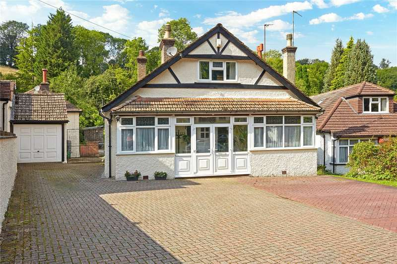 4 Bedrooms Detached Bungalow for sale in Whyteleafe Hill, Whyteleafe, Surrey, CR3