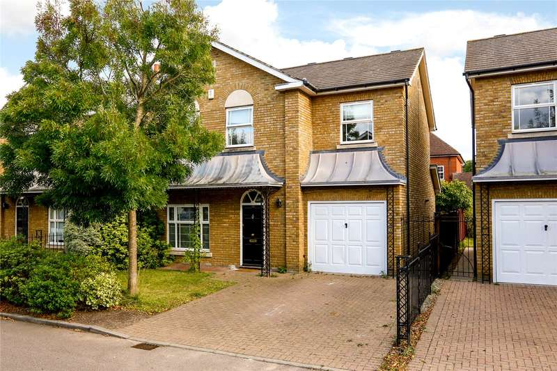 4 Bedrooms Detached House for sale in Savery Drive, Long Ditton, Surbiton, Surrey, KT6
