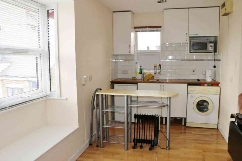 Studio Flat for sale in Bramley Road, Ladbroke Grove
