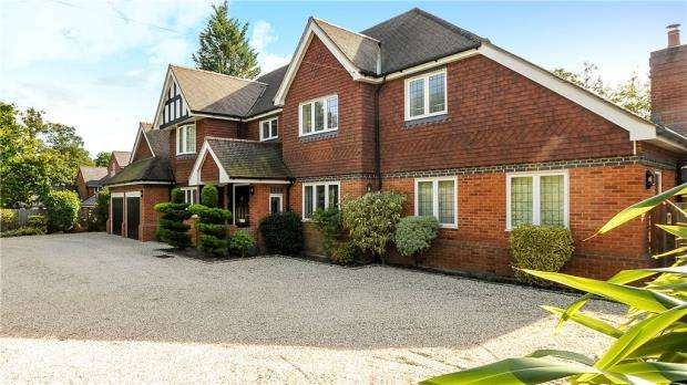 6 Bedrooms Detached House for sale in Charters Road, Ascot, Berkshire