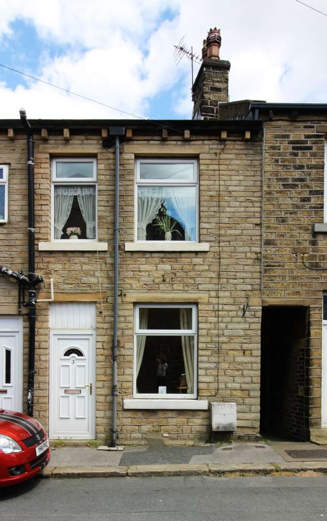 1 Bedroom Terraced House for sale in Francis Street, Milnsbridge