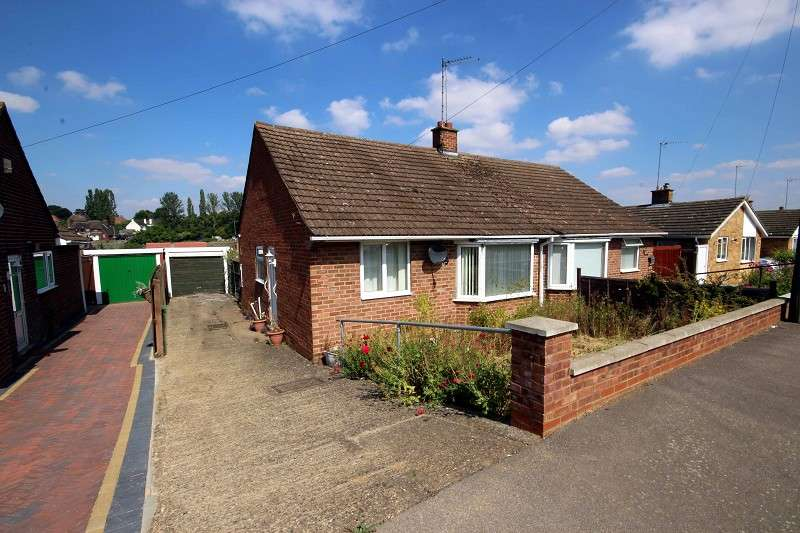 2 Bedrooms Bungalow for sale in Warwick Road, Wellingborough, Northamptonshire. NN8 2LU