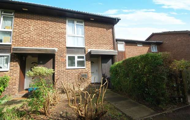 2 Bedrooms End Of Terrace House for sale in Embleton Walk, Hampton