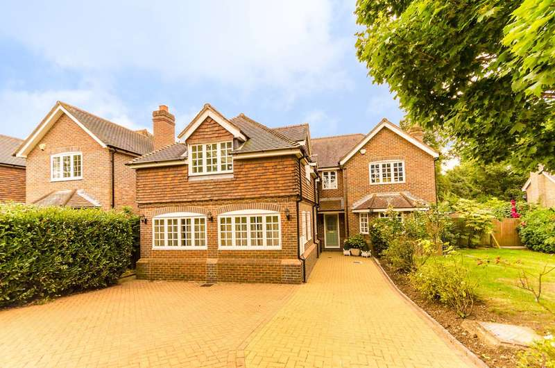 5 Bedrooms Detached House for sale in Vicarage Close., Worcester Park, KT4