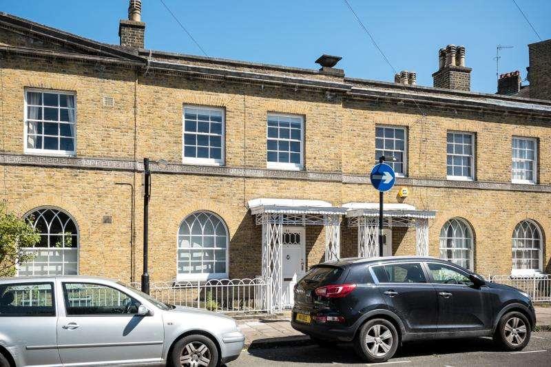 2 Bedrooms Terraced House for sale in Cardigan Street, Kennington, London, SE11