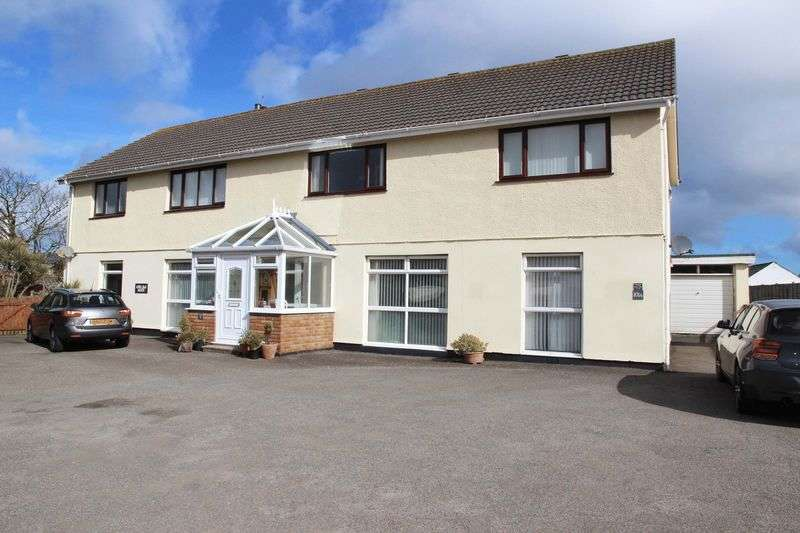 9 Bedrooms Detached House for sale in Henver Road, Newquay
