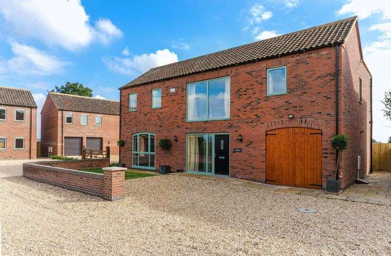 4 Bedrooms Detached House for sale in Thimbleby Road, Horncastle