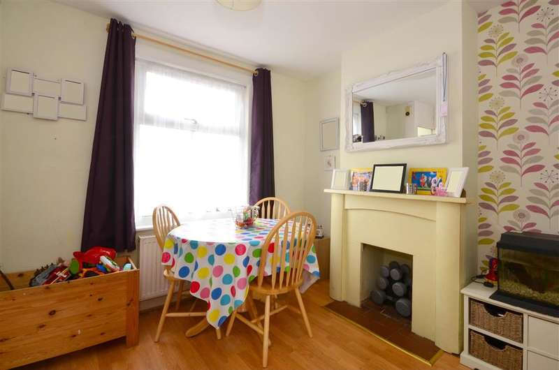 2 Bedrooms Terraced House for sale in Lowther Road, Dover, Kent