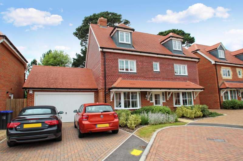 5 Bedrooms Detached House for sale in Sanditon Way, Broadwater, Worthing, BN14