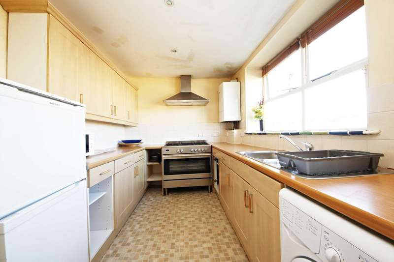 3 Bedrooms Flat for sale in Gipsy Road, West Norwood
