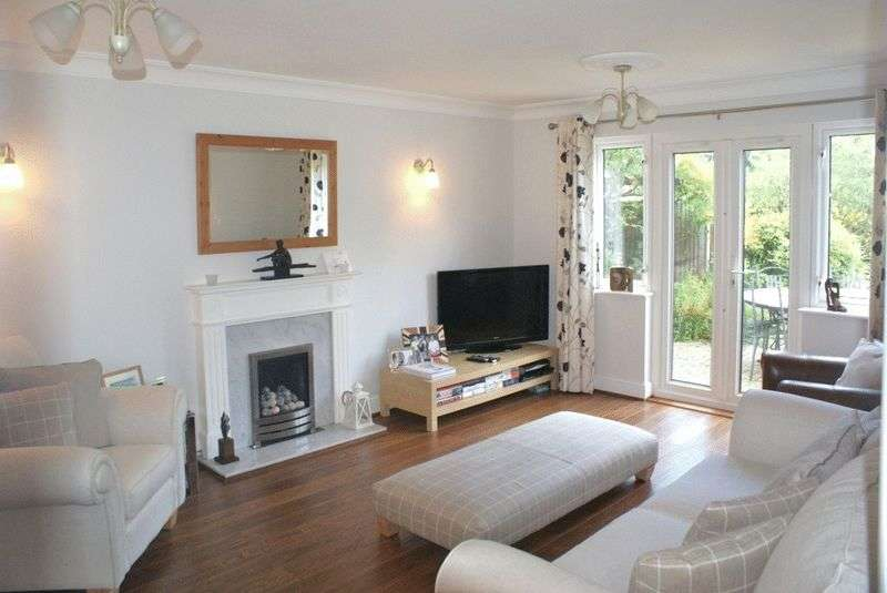 4 Bedrooms Detached House for sale in Warfield, Berkshire.