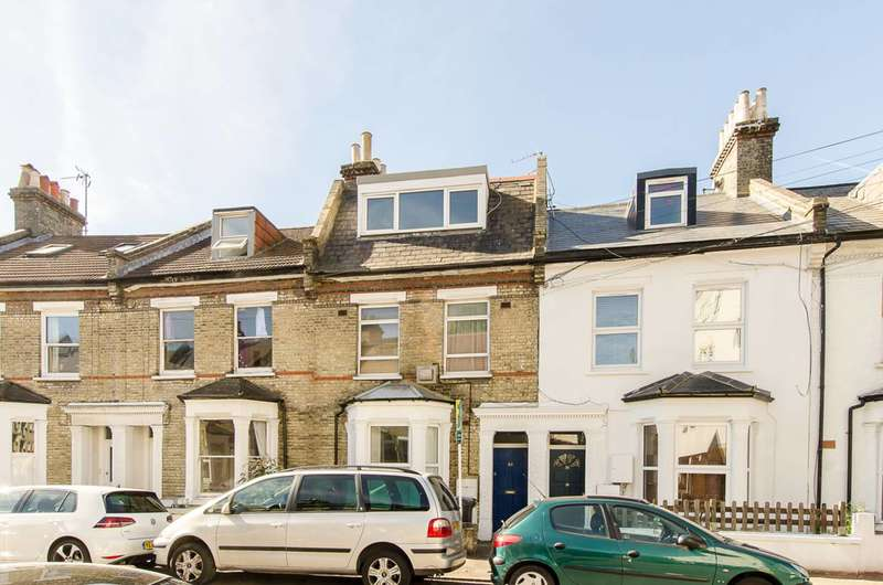 2 Bedrooms Flat for sale in Morrish Road, Brixton Hill, SW2