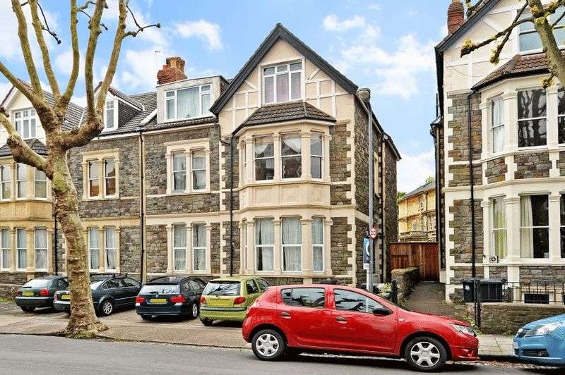 3 Bedrooms Flat for sale in Blenheim Road, Redland