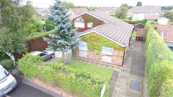3 Bedrooms Bungalow for sale in Deerbolt Crescent, Kirkby