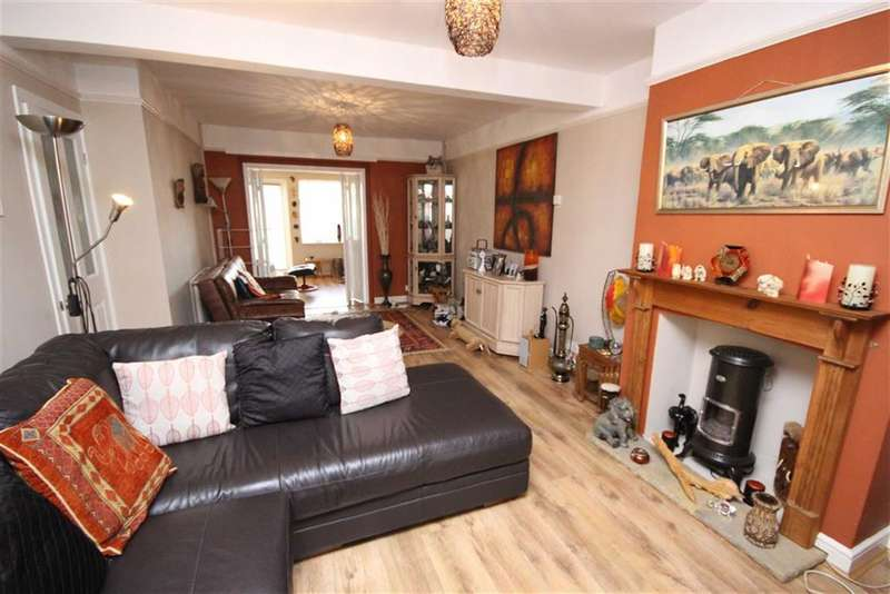 3 Bedrooms Property for sale in Tydeman Street, Gorse Hill, Wiltshire