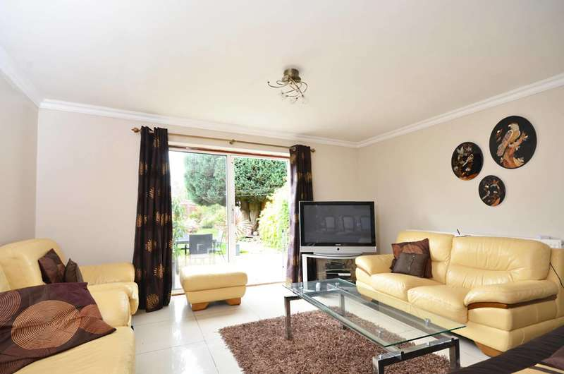 3 Bedrooms Semi Detached House for sale in Muybridge Road, New Malden, KT3