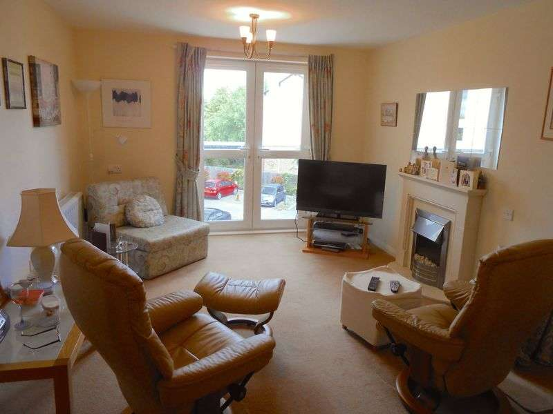 1 Bedroom Flat for sale in Speakman Court, Altrincham. WA14 1BP