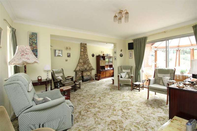 3 Bedrooms Detached House for sale in Buxton Square, Leigh on Sea